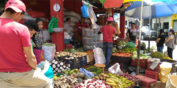 Por un mes congelan precios en productos de la canasta básica