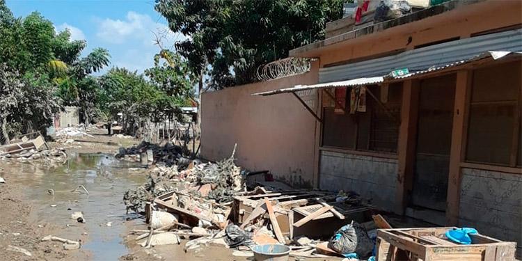 """""""Inundado"""" por la solidaridad, don Rafa ayuda a 70 familias"""