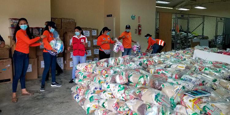 Hondureños envían desde Miami alimentos a los damnificados