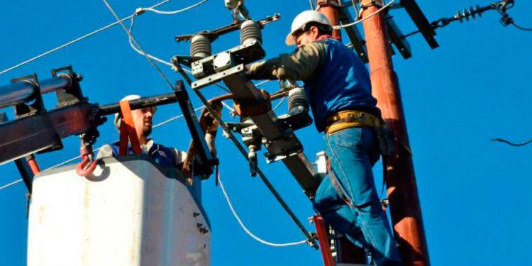 """""""Electrocutados"""" con aumento de 3.48% a la tarifa eléctrica"""