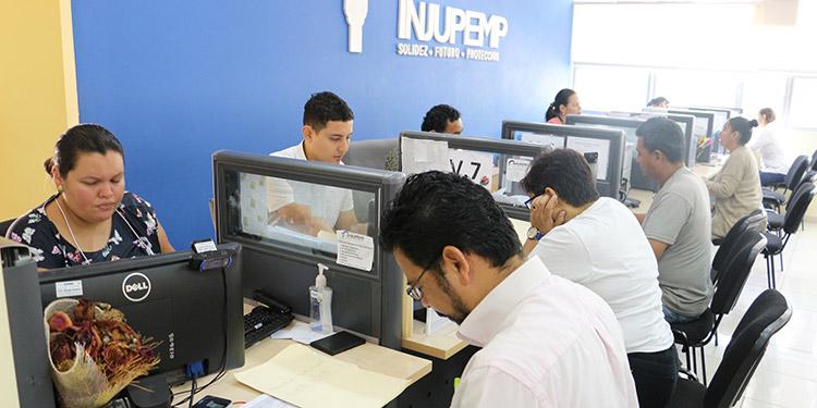 Gobierno otorga asueto a empleados públicos el 24, 30 y 31 de diciembre