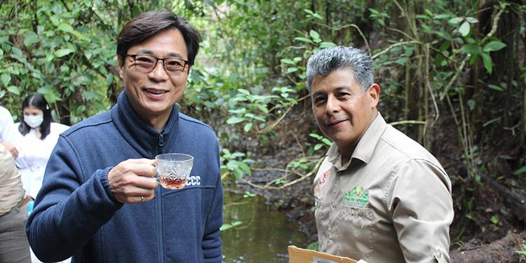 El embajador de Taiwán y el representante de IICA en Honduras.