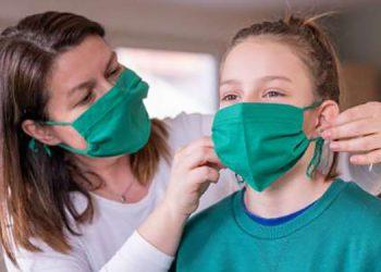 Autoridades de EEUU anuncian que los vacunados pueden reunirse sin mascarilla