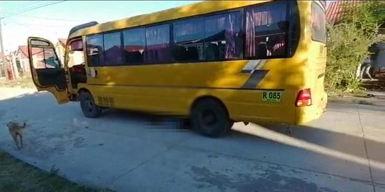 Arrollado por autobús fallece niño de 4 años