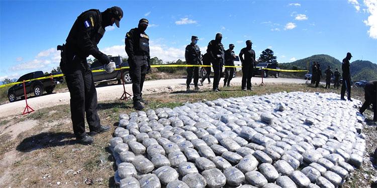 """Incinerados 300 kilos de """"coca"""""""