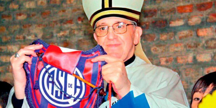 Papa Francisco, un hincha de San Lorenzo, socio de Boca en Argentina