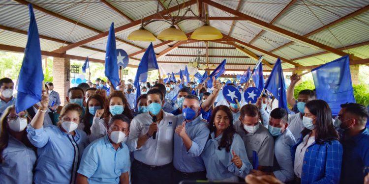 Movimiento Unidad y Esperanza presenta planilla de aspirantes a alcaldes y diputados en Olancho