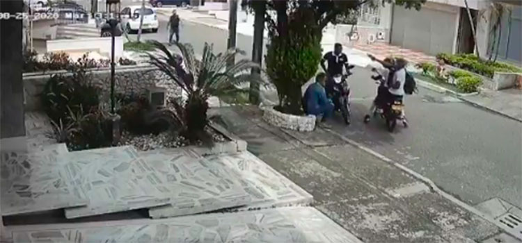 CN deroga el decreto que prohibía el transporte de dos hombres en motocicleta