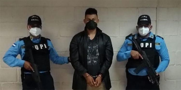Prisión preventiva para sastre por matar a su pareja gay