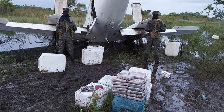 nterceptan narco avioneta en la Barra de Patuca
