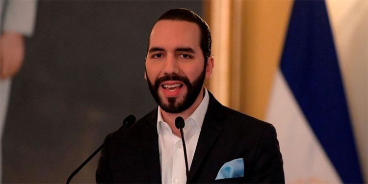 """Senador de EEUU denuncia """"preocupante"""" rumbo de El Salvador bajo Bukele"""
