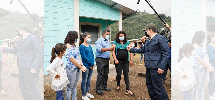 Más de 50 viviendas entrega el presidente Hernández en El Progreso