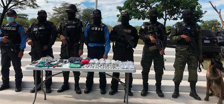 Hallan droga y armas en cateo a centro penal de Choluteca