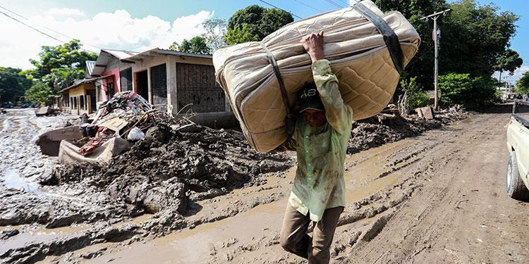 Aprueban bono de L5 mil para damnificados de tormentas Eta e Iota