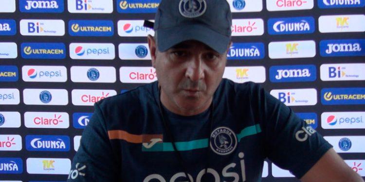 Vázquez: Quiero entender que los árbitros se equivocan contra nosotros sin querer