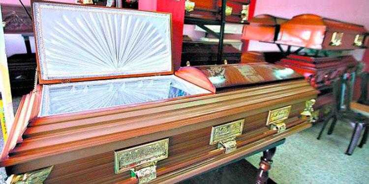 Aumenta 15% venta de ataúdes en funerarias