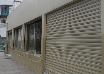 """""""Mad Max. Así se llamaba una """"disco"""" que operó en este local cerrado de Barrio Abajo."""