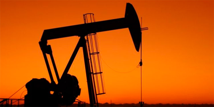 El petróleo se estabiliza pero cierra 2020 derribado por el covid
