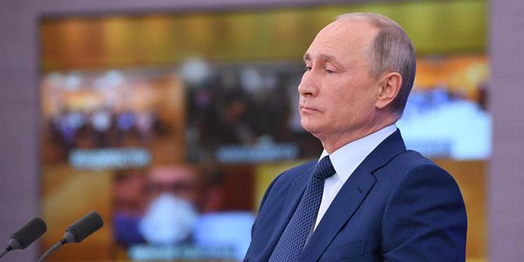 Putin no se vacuna y la mitad de los rusos también se niega, según sondeos