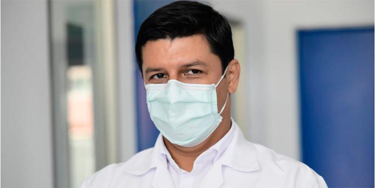 Roberto Cosenza: Unas 15 personas mueren a diario por COVID-19 en Honduras