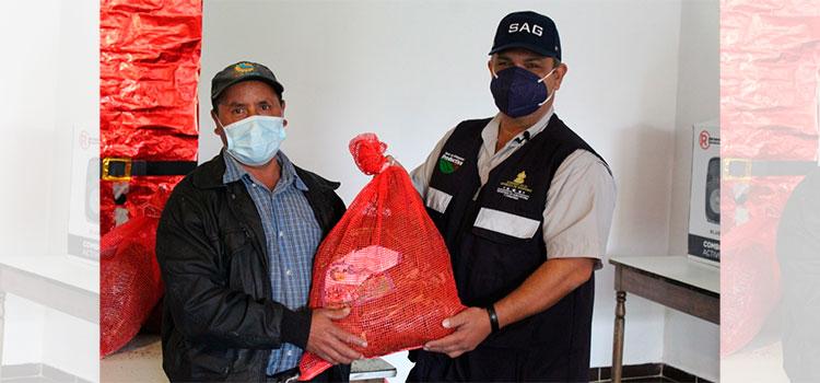 Productores de El Piligüin, reciben Bono de Solidaridad Productiva de fresa