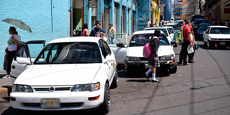 Pedro Gómez: Taxistas podrán transportar cuatro pasajeros