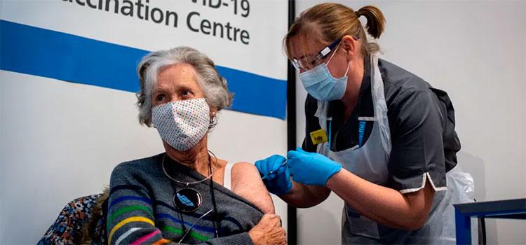 Los 7 efectos secundarios de la vacuna de Pfizer contra COVID-19