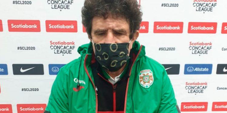Rolando Peña: Sería un irrespeto que Real España busque a Vargas