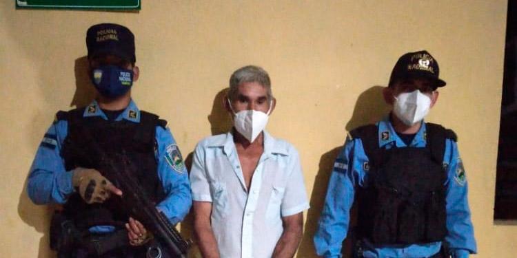 El detenido fue llevado a una estación policial y luego puesto a disposición de un juez competente a fin de continuar proceso en su contra.