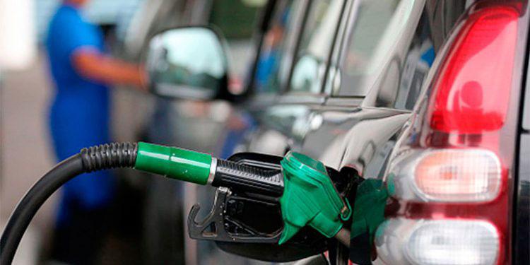 Los combustibles registran siete alzas consecutivas, lamentaron consumidores.