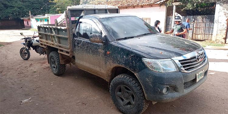 El automóvil fue hallado horas más tarde en el barrio El Carmelo, de Danlí.