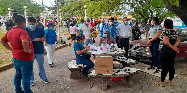 Las brigadas médicas contra la COVID-19 se desplazaron a cuatro municipios del departamento de Choluteca.