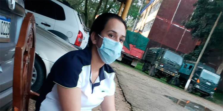 Issa Jakeline Fuentes Paz llevaba más de cinco paquetes con dinero en efectivo y será procesada por lavado de activos.