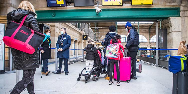 Europa se blinda ante la cepa britanica y quiere que ni se hable en el metro