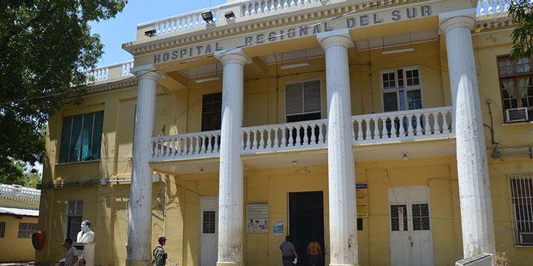 Un total de 14 pacientes con COVID-19 están en el hospital, tres de ellos están graves en la UCI.