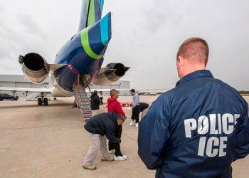 Organizaciones pelearán contra bloqueo a moratoria de deportaciones ordenada por Biden