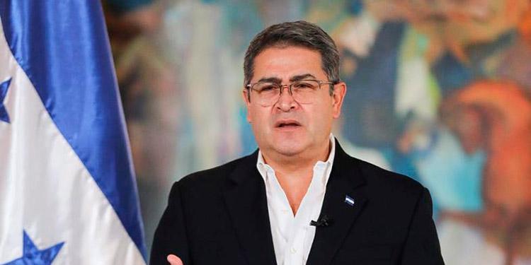 """Juan Orlando Hernández: """"No están solos compatriotas... no es tarea fácil, pero lo vamos a lograr""""."""