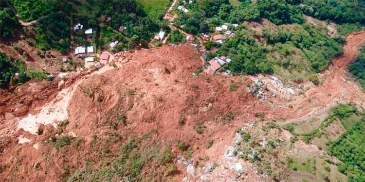 Donde ahora se ve tierra arcillosa, era el corazón de la aldea y donde estaba la mayoría de casas, unas 300, que quedaron sepultadas.