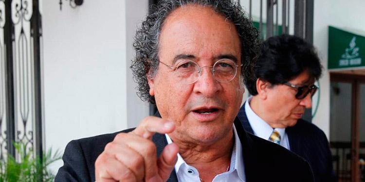 El economista Jorge Nelson Ávila, compite en el proceso eleccionario interno del Partido Libre.