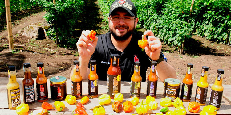 Carlos Andrés Castillo y sus salsas Lenguas de Fuego son un orgullo catracho que en reiteradas ocasiones han puesto muy en alto el nombre de Honduras.