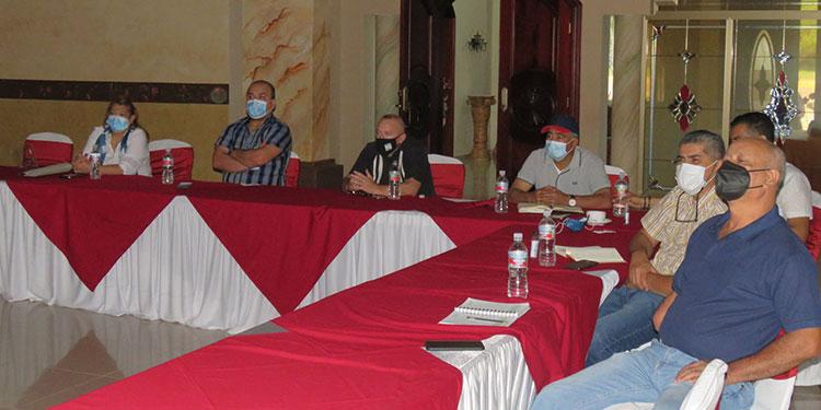 Los representantes del consorcio Seinco-Geoconsult, Julio Molinolo y Matin Kasek, expusieron ampliamente el plan director.