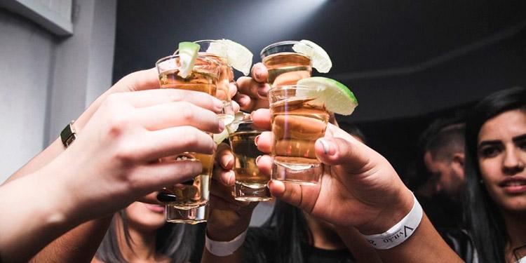 ¿Por qué quieres seguir bebiendo cuando ya estás borracho?