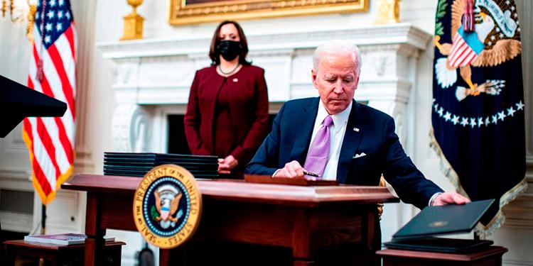 Biden quiere duplicar el salario mínimo en EEUU