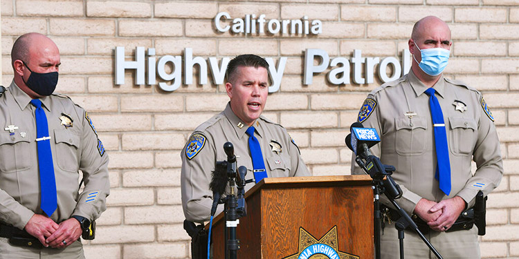Choque frontal en California deja nueve muertos