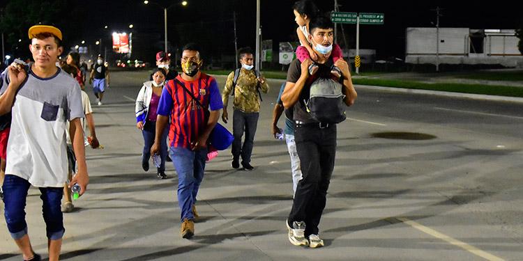 Guatemala exigirá una prueba negativa de la COVID-19 a migrantes hondureños
