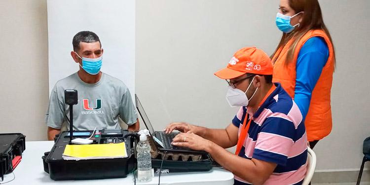 Comisionado del RNP: Enrolarán a hondureños en el exterior
