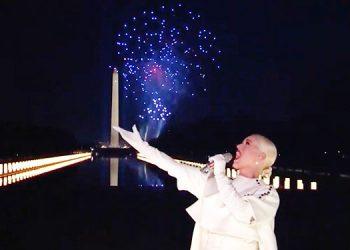 Estrellas y fuegos artificiales en espectacular concierto para Biden