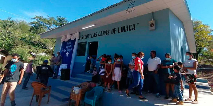 """Varios centros de salud del departamento han sido remodelados, afirmó Juan Carlos Oliva del movimiento """"Juntos Podemos""""."""