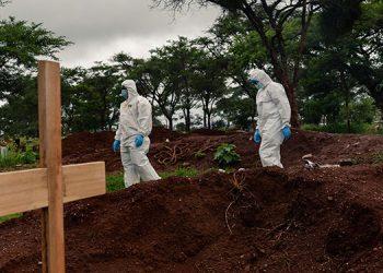 La pandemia roza 2 millones de muertos, tras nuevo récord de decesos diarios
