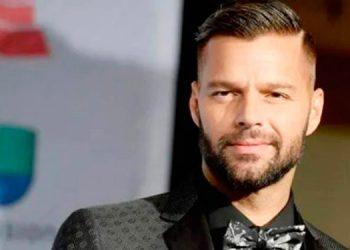 Ricky Martin impacta con radical cambio de look